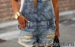 Как выбрать женский джинсовый комбинезон?