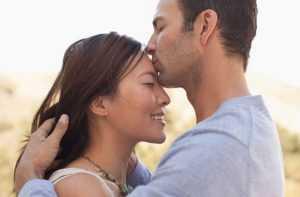 Секреты психологии: как ведёт себя мужчина, когда он влюблён