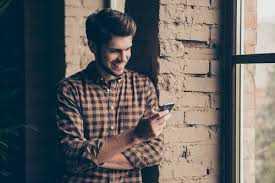 Что написать другу или своему парню, чтобы он улыбнулся?