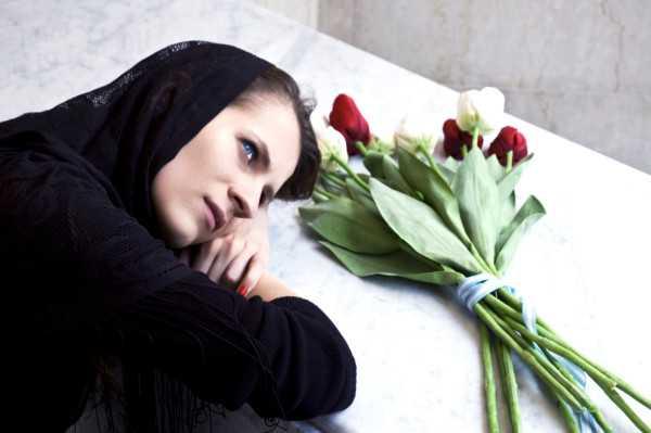 Widow and tulips