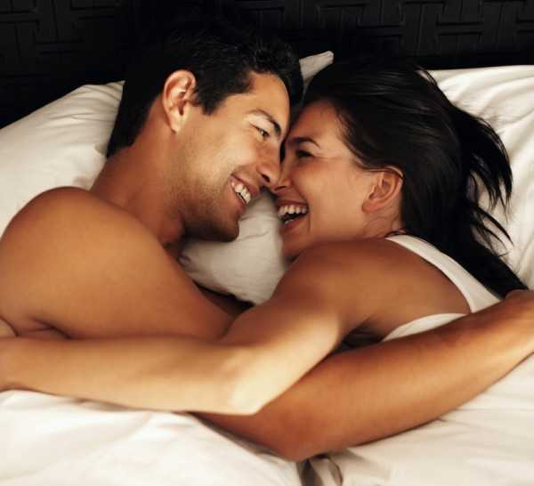 man-woman-bed-120629