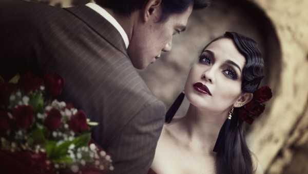 www.GetBg.net_Love_Couple_in_love_in_a_retro_style_097668_