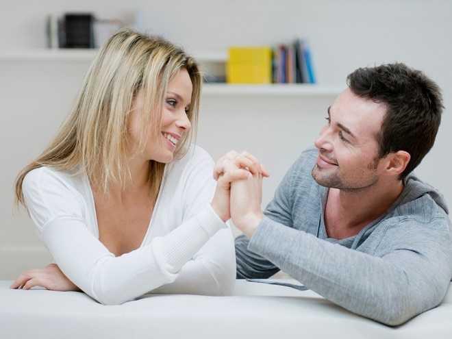 Важно помогать своей любимой в быту, дарить ей заботу