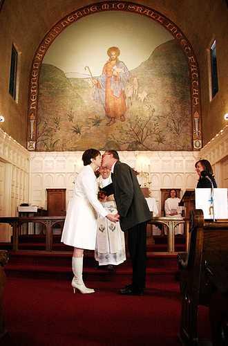Свадьба - горе небольшое. И до свадьбы жизнь мне казалась абсолютно удавшейся.