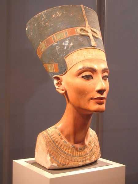 Прекраснейшая из красавиц Нефер-Неферу-Атон Нефертити.